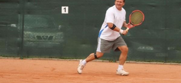 Burmistrzowie objęli patronatem tenisistów