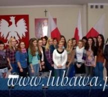 Uczennice lubawskiego TE u burmistrza