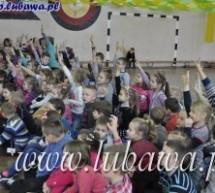 """""""Dziś oszczędzam w SKO"""" – zadeklarowali uczniowie Szkoły Podstawowej"""
