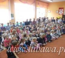 Przedszkolaki podziękowały nauczycielom