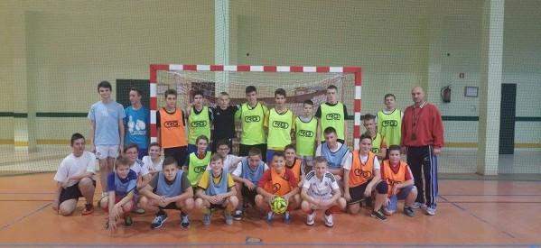 Turniej piłki nożnej halowej chłopców klas I Gimnazjum