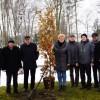 """""""Drzewo Życia"""" zostało zasadzone w Łazienkach Lubawskich"""