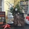 Książki, znaczki pocztowe i gadżety promocyjne – to wszystko można zakupić w Bibliotece Miejskiej