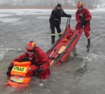 Strażacy z OSP Lubawa na ćwiczeniach z ratownictwa na lodzie