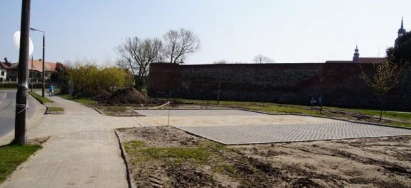 Kolejna inwestycja wokół zamkowych murów