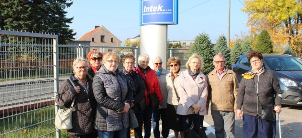 Seniorzy zwiedzili firmę INTEK